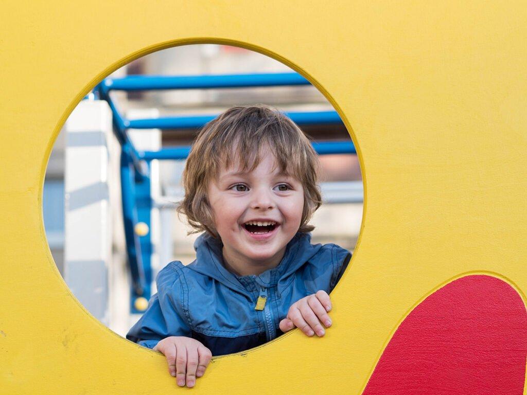 Het gezinsleven - Binnenspeeltuin veilige omgeving.pg