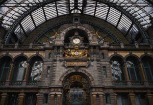 Het Gezinsleven - Uitstapjes - Bezienswaardigheden - De top 3 leukste steden van België! - Station van Antwerpen